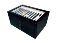 Vetrina per 56 penne in legno Nera